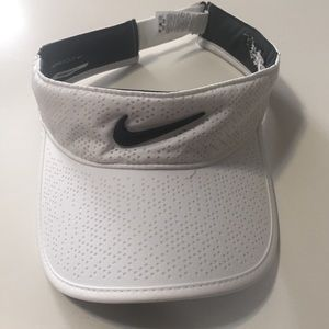 Nike Black/White Golf Visor
